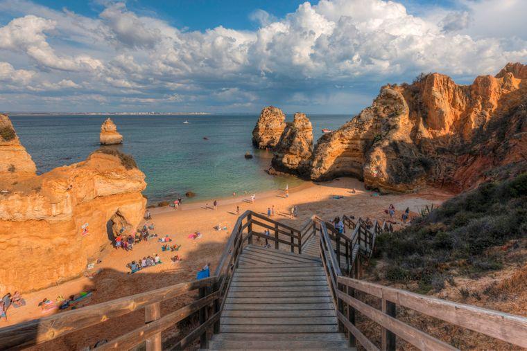 Praia do Camilo: nur 100 Stufen, bis du am Traumstrand stehst.