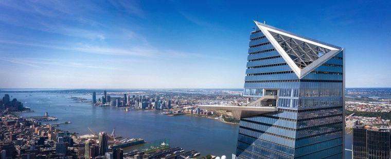 Die Aussichtsplattform ragt 20 Meter über Manhattan.