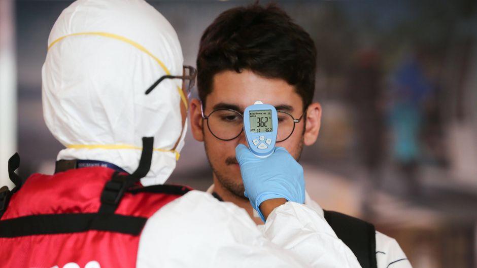 Flughäfen setzen wegen des Coronavirus auf Sicherheitsmaßnahmen wie Fieber-Screenings.
