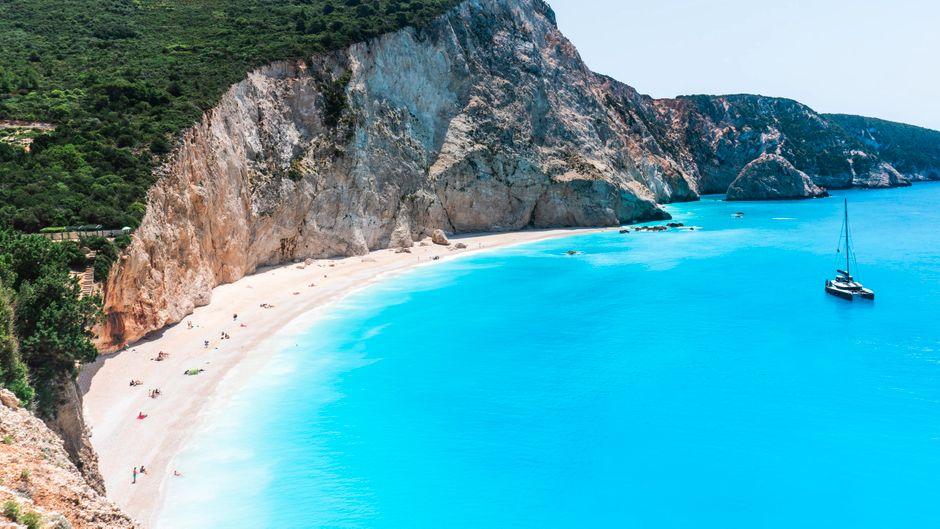 Der Strand Porto Katsiki gehört zu den schönsten auf Lefkada (Lefkas).