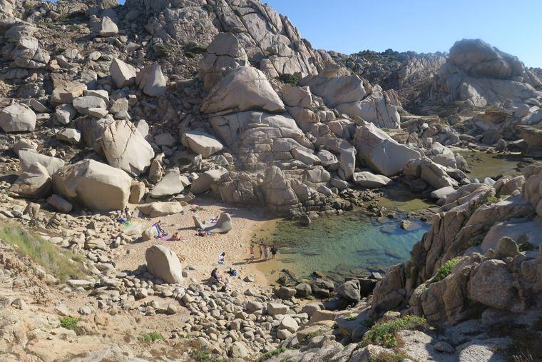 Die bizarren Felswelten von Capo Testa.
