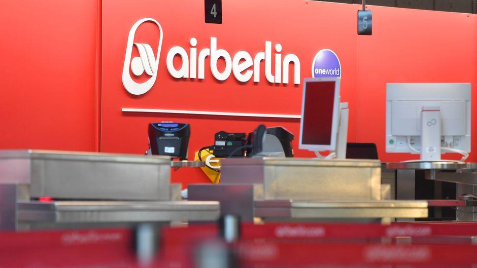 Leerer Air-Berlin-Schalter.