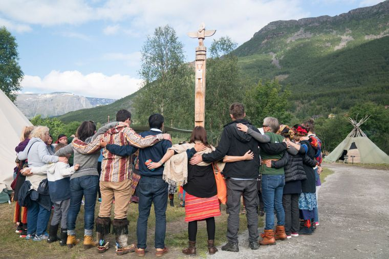 Beim Riddu Riđđu Festival im nordnorwegischen Ort Kåfjord feiern die Besucher fünf Tage lang die Samen und andere indigene Völker der Welt.