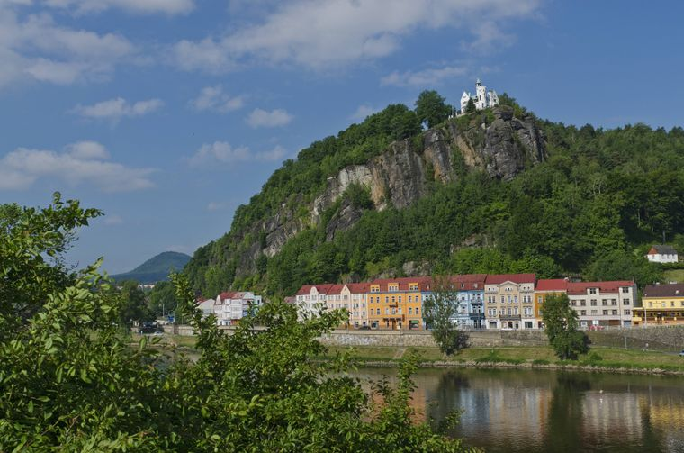 Der Via-Ferrata-Park Pastýřská stena, also Schäferwand, befindet sich am Elbeufer gegenüber dem Děčíner Schloss.