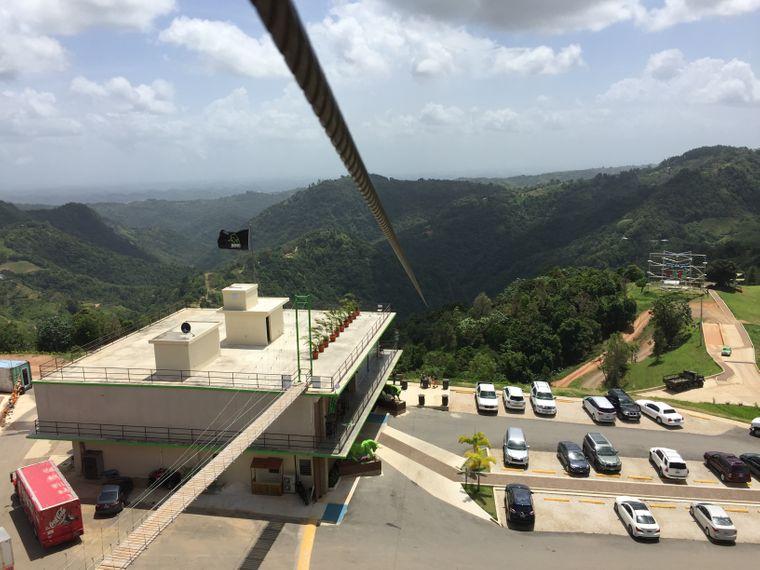 """Die Seilbahn """"The Monster"""" in Puerto Rico"""