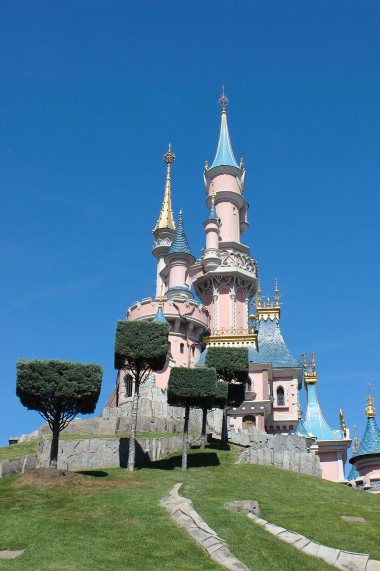 Für das große Schloss ließ sich Walt Disney vom bayerischen Neuschwanstein inspirieren.