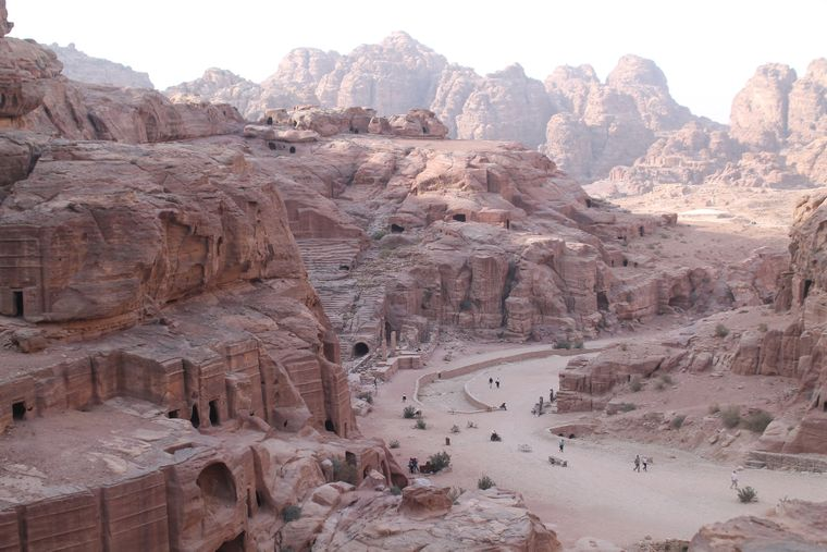 Blick auf den Eingang der Felsenstadt Petra.