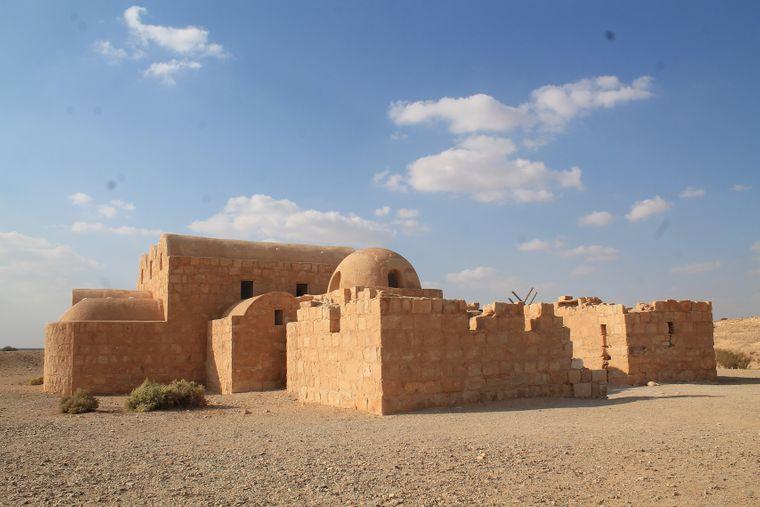 Das Wüstenschloss Qasr Amra aus dem achten Jahrhundert steht etwa 70 Kilometer östlich von der Hauptstadt Amman.