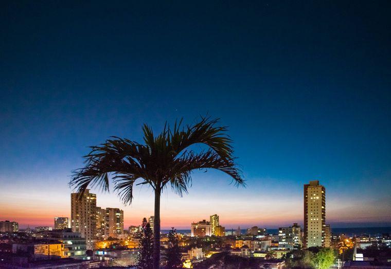 Havannas Skyline bei Nacht.