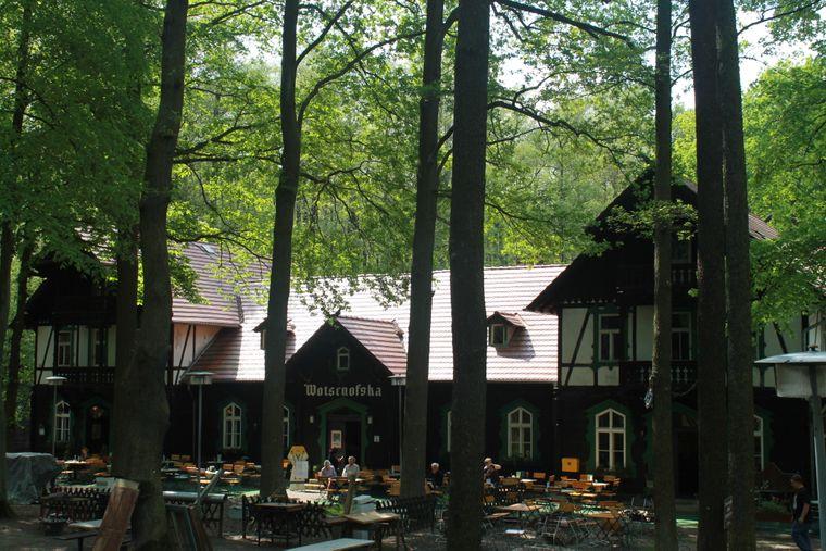 Eine echte Kult-Location: das Gasthaus Wotschofska inmitten des Spreewaldes.