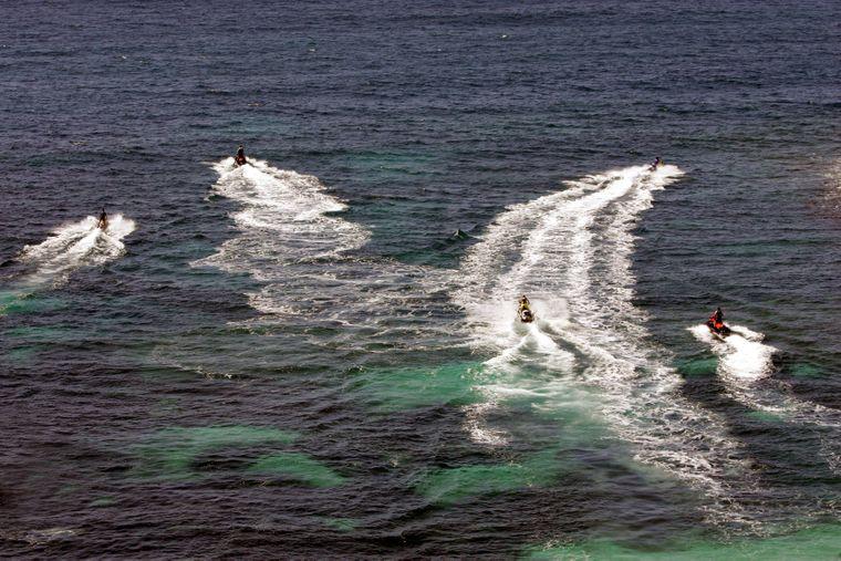 Abkühlung: Bei einer Jet-Ski-Fahrt kannst du dir die Mittelmeerbrise um die Nase wehen lassen! Nach einer kurzen Einweisung darfst du sogar ganz allein losdüsen.