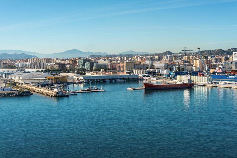 Die spanische Stadt Malaga ist auch im Winter Ziel von vielen Touristen.