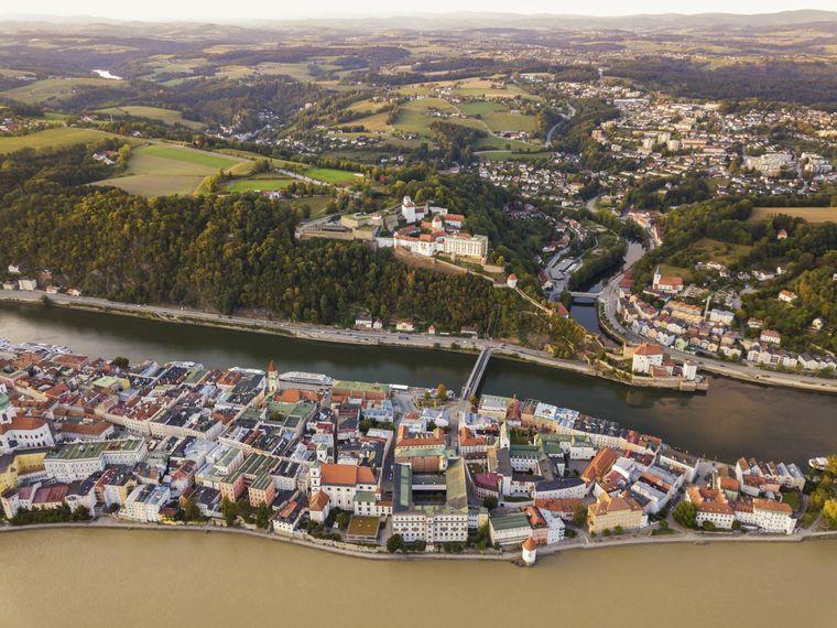 In Passau treffen drei Flüsse aufeinander.