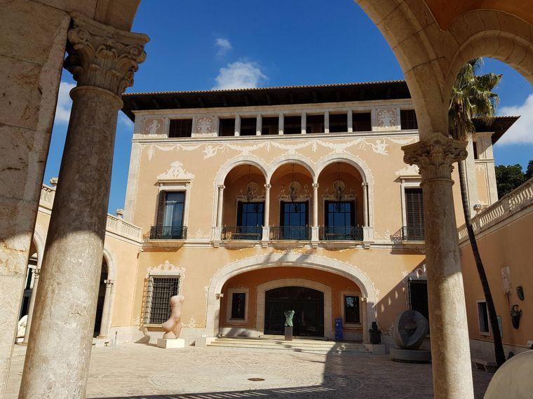 Lust auf Kultur im Urlaub? Dann ist ein Besuch des Museu Fundacion Juan March das Richtige für dich.