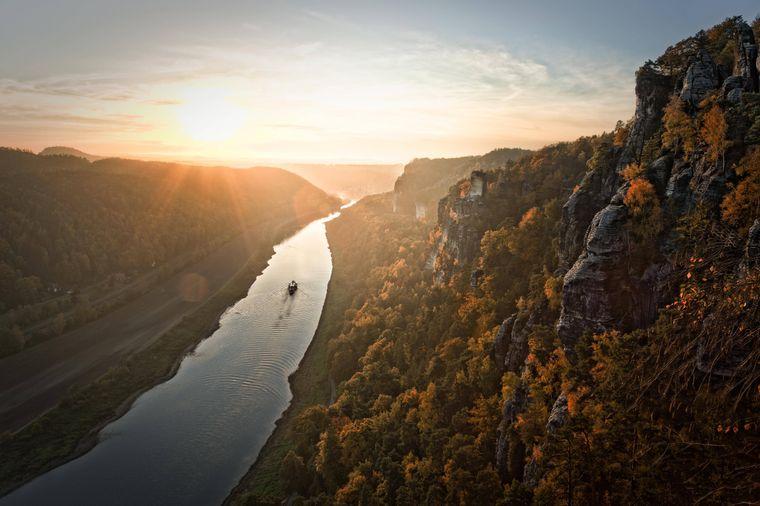 Wer im Herbst von der Bastei auf die Elbe blickt, kann nur ins Schwärmen kommen...