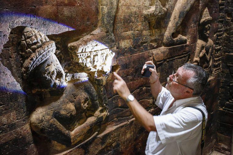 Im Archäologischen Park der Tempelstadt Angkor wird Forschungsarbeit geleistet.