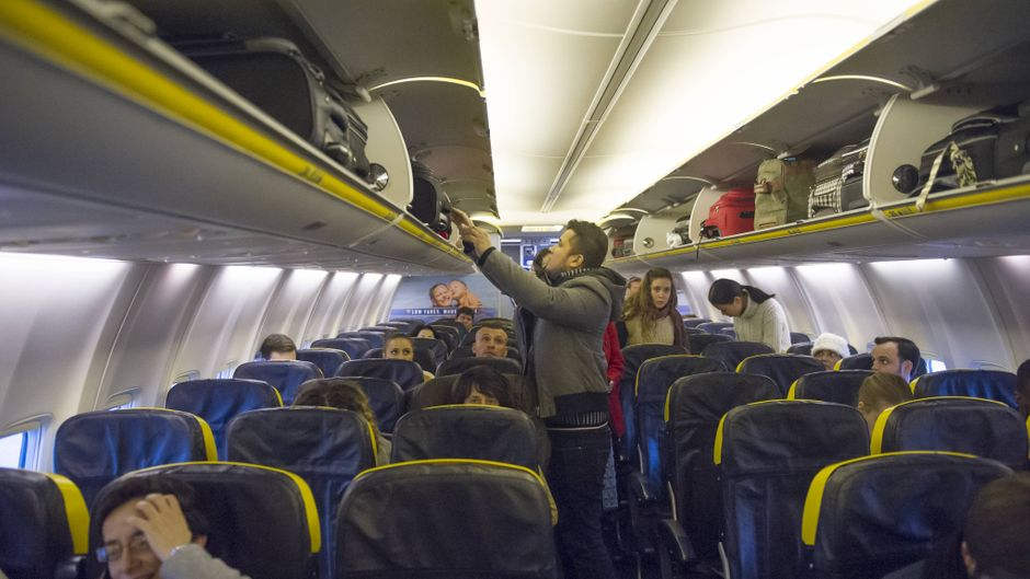 Sitzplätze im Ryanair-Flugzeug: Wer nicht extra zahlt, sitzt oft in der Mitte oder getrennt von der Reisebegleitung.