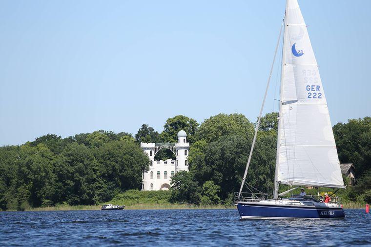 Die Pfaueninsel am Wannsee gehört zu den beliebtesten Ausflugszielen der Hauptstadt.