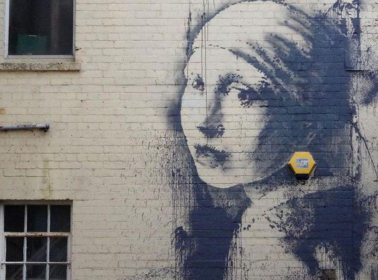 Der geheimnisvolle Streetart-Künstler Banksy stammt aus Bristol. Im Stadtgebiet sind viele seiner Werke zu sehen.