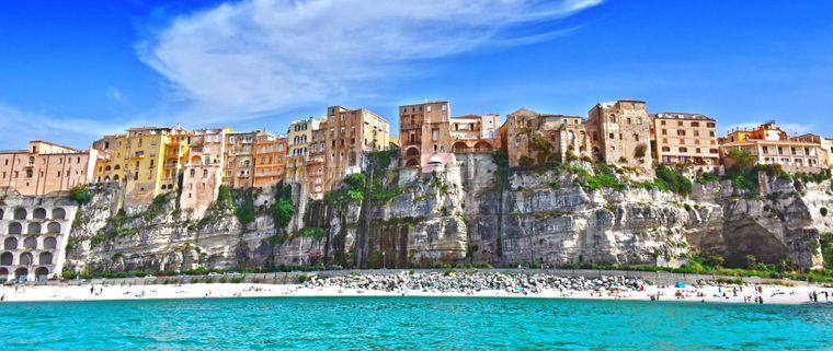 Tropea ist eine Kleinstadt an der Ostküste der süditalienischen Region Kalabrien – sie zählt nun zu den schönsten Dörfern Italiens.