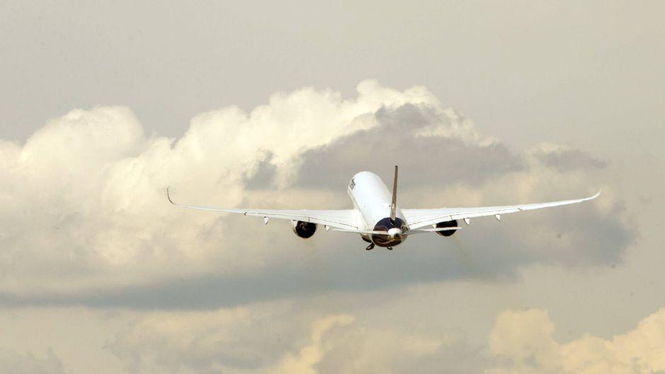 Die Lufthansa garantiert ihren Passagieren, dass sie wieder nach Hause kommen, wenn sie das möchten. (Symbolbild)