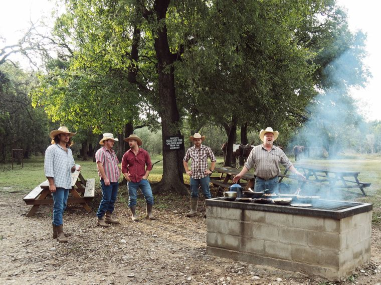 Cowboys beim Frühstück.