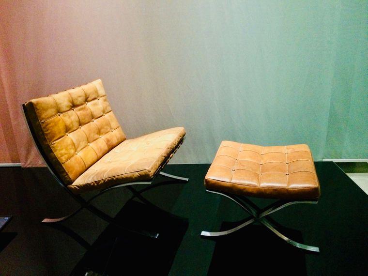 Eleganter Klassiker: Barcelona Chair von Ludwig Mies van der Rohe.