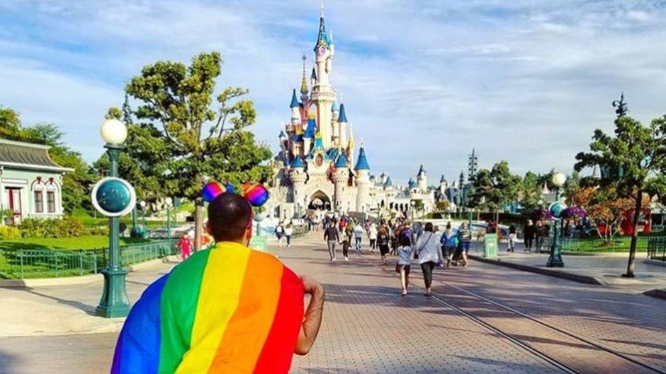 Die Regenbogenfahne steht unter anderem für Toleranz und Vielfalt.
