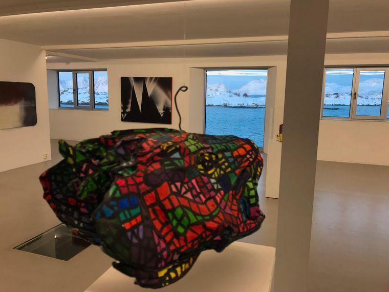 Eine stillgelegte Kaviarfabrik ist heute in Henningsvaer eine Galerie für zeitgenössische Kunst.