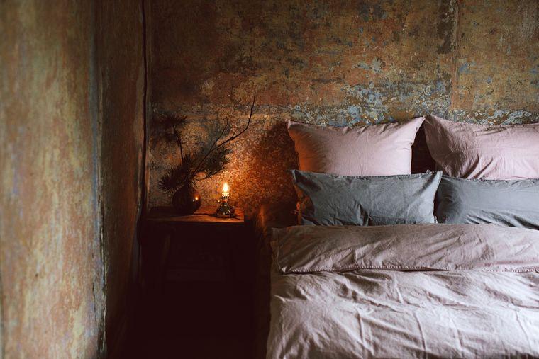 Schlafzimmer im Gutshaus Rensow, Mecklenburg-Vorpommern.