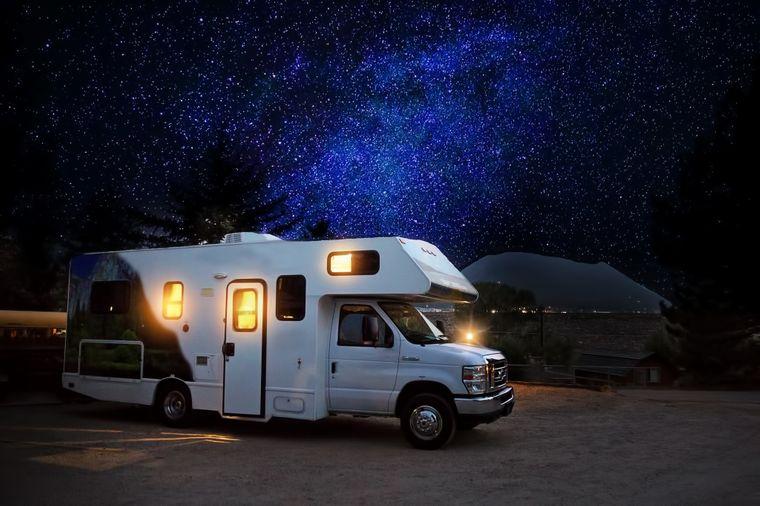 Wohmobil unterm Sternenhimmel