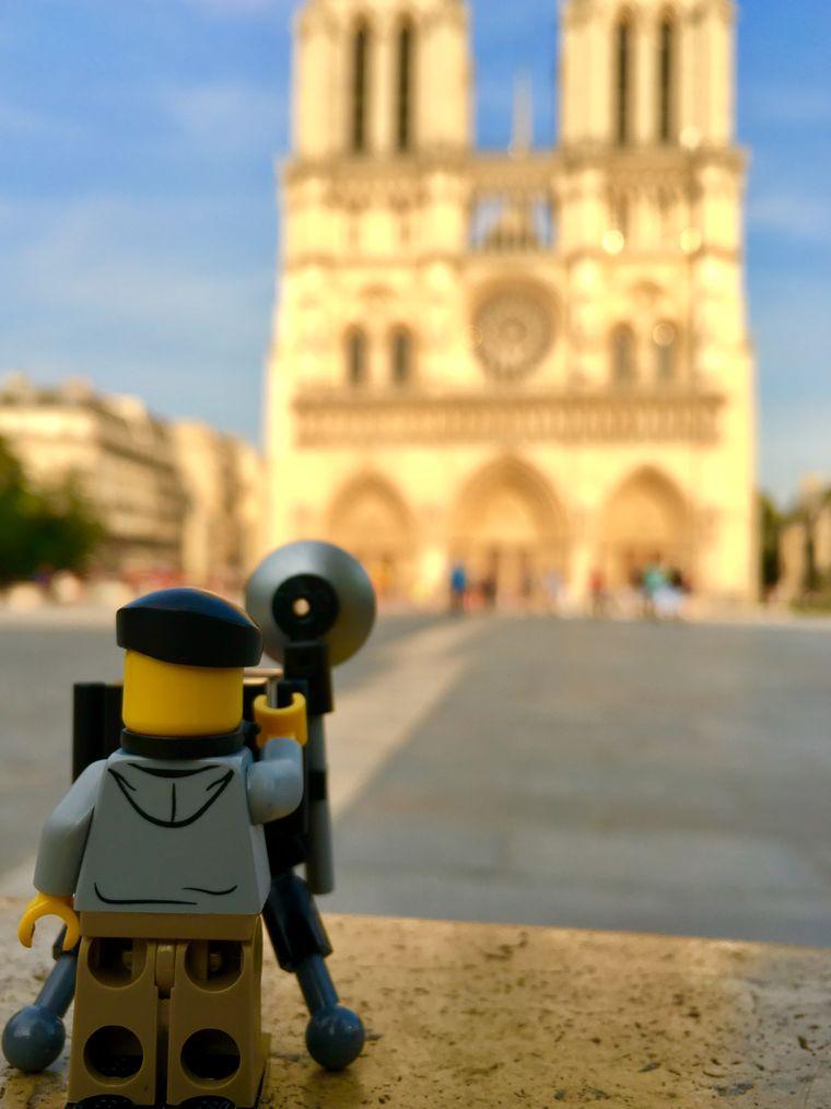 """Notre-Dame meets Lego: Dieses Bild von der Kathedrale entstand im Juni 2017 für die Instagram-Serie """"#thetravelingfotographerontour"""" von Patrick Bohlmann aus Nienburg (Weser)."""