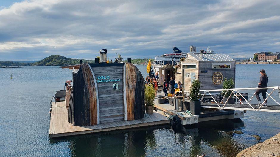 Saunadorf Sukkerbiten in Oslo, schwimmende Plattform auf dem Oslofjord.