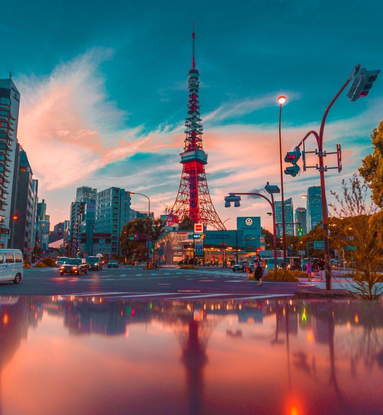 Der Tokio Tower ist 333 Meter groß und sogar 9 Meter höher als das Original in Paris.