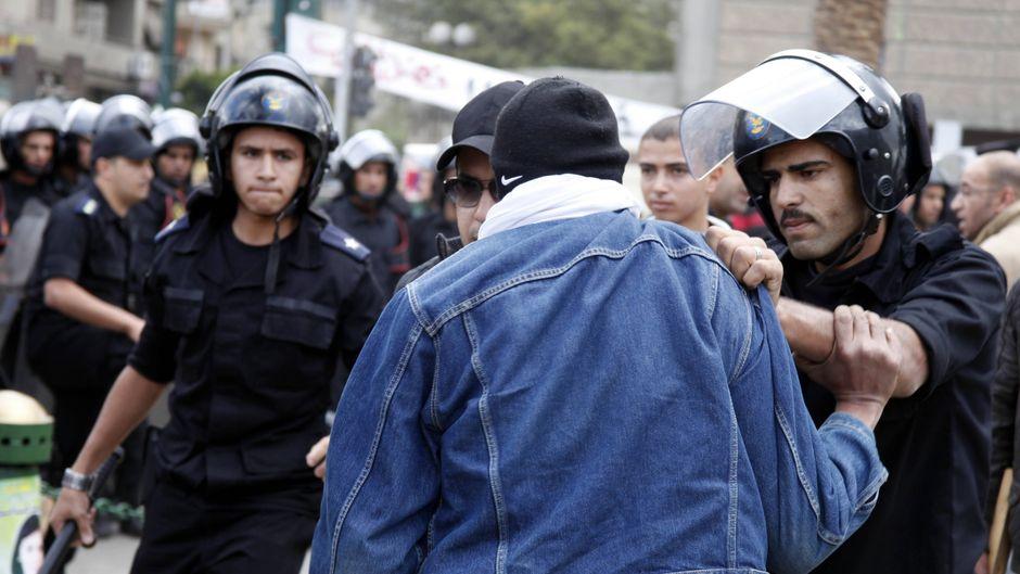 Die Polizei in Ägypten macht Jagd auf Schwule – und nimmt sie mithilfe von Gay-Dating-Apps fest (Symbolfoto).
