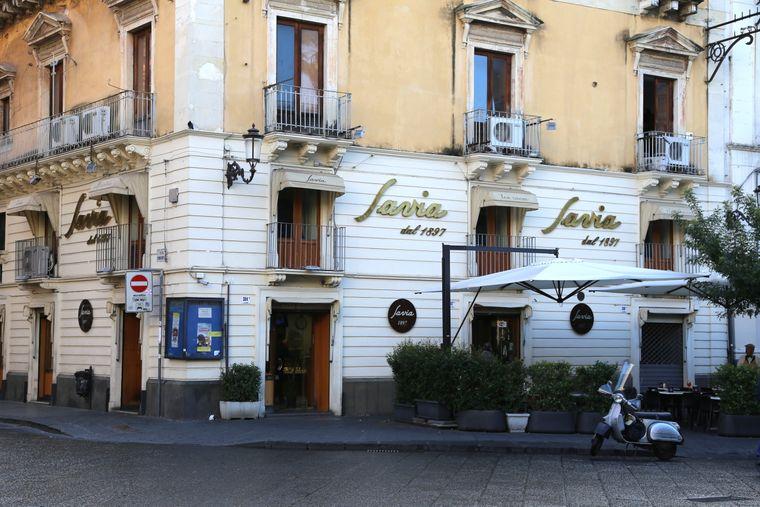 Die Pasticceria Savia an der Via Etnea gibt es schon seit 1897. Hier gibt es köstliche Cannoli und Co..