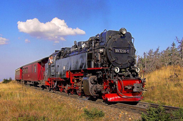 Die HSB-Bahn auf dem Weg zum Brocken – dem höchsten Berg Norddeutschlands.