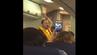 Flugbegleiter Nicholas Demor von Southwest Airlines macht eine lustige Sicherheitseinweisung.
