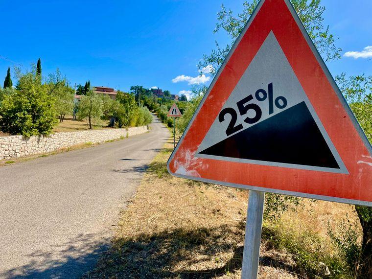 Bei 25% Steigung machen Radler schlapp und sehnen sich nach einem E-Bike.