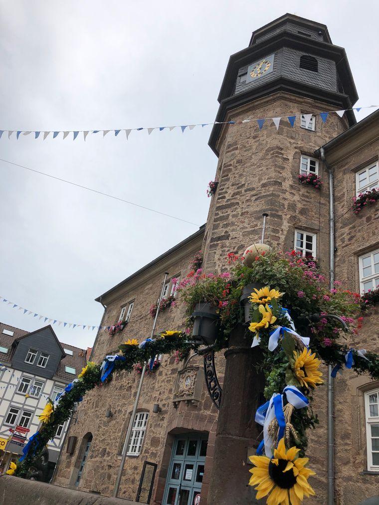 Das Rathaus am Mark von Witzenhausen wurde nach dem Krieg wieder neu aufgebaut.
