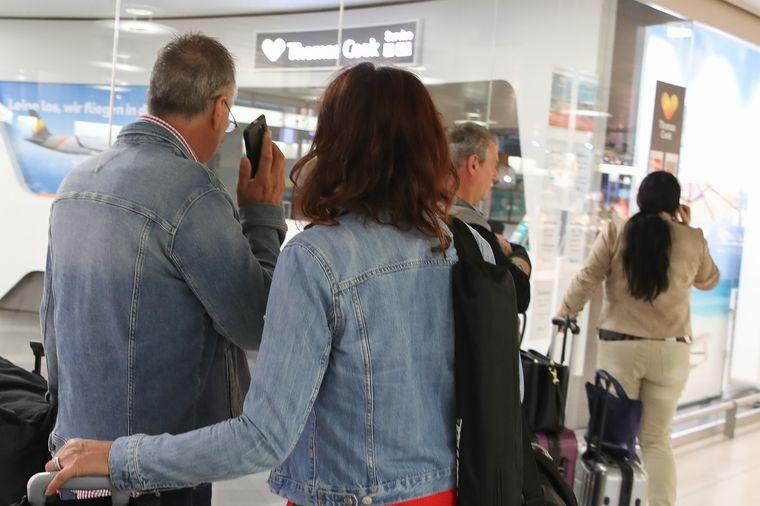 Geschlossener Schalter von Thomas Cook am Flughafen Langenhagen in Hannover.