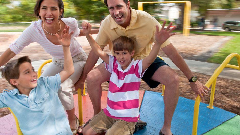 Familenurlaub für alle: Mit unseren Tipps kommst du garantiert auf deine Kosten.