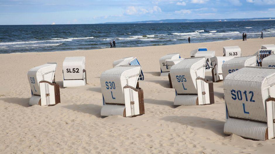 Blick auf den Strand im Ostseebad Ahlbeck in Mecklenburg-Vorpommern.