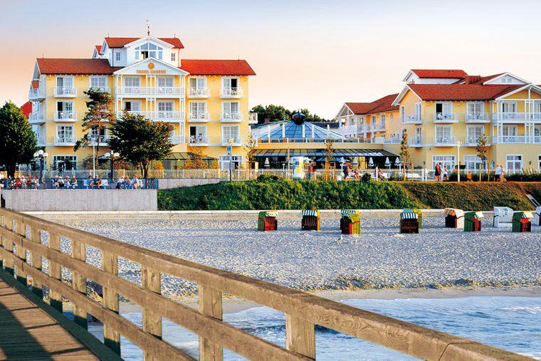 Das Ostseehotel Kühlungsborn liegt in der ersten Strandreihe, direkt an der Seebrücke.