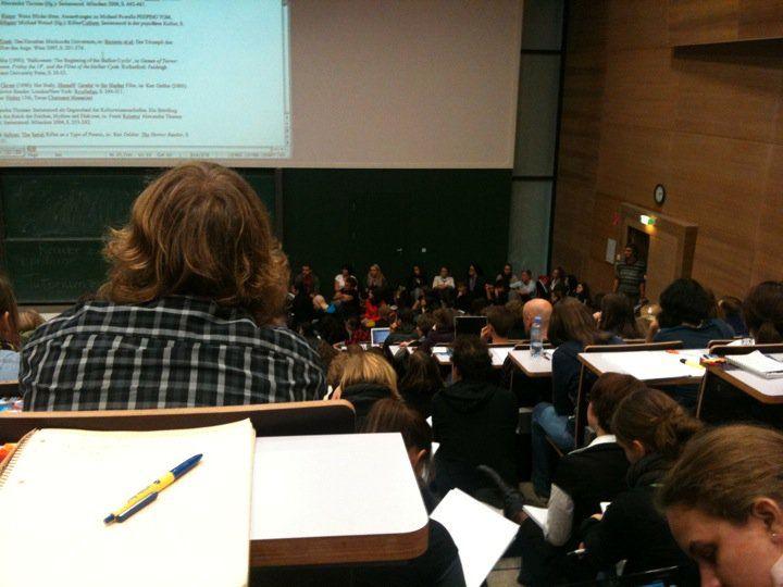 Der Hörsaal C1 am Campus der Universität Wien.