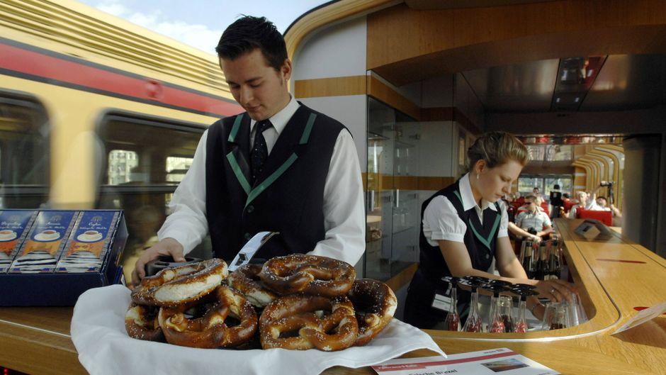 Bordrestaurant der Deutschen Bahn.