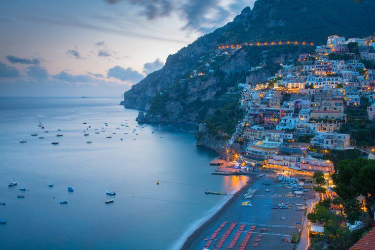 Blick über Positano, Amalfiküste (Italien).