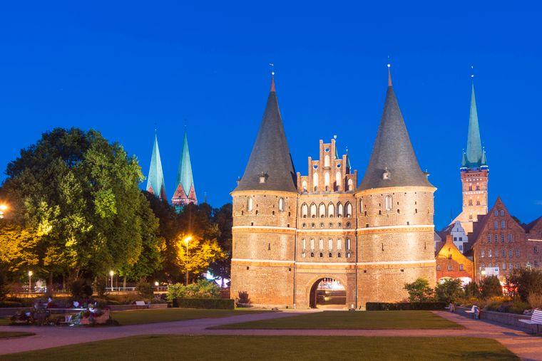 Die Marienkirche in Lübeck erinnert an alte Zeiten der Hanse.