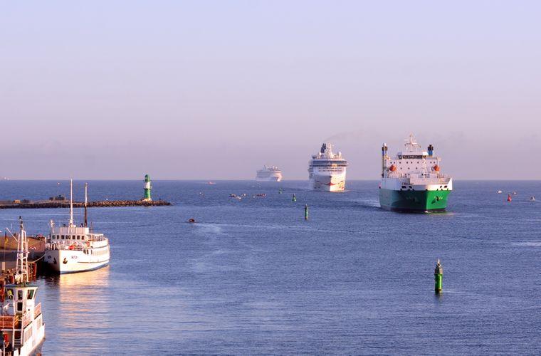 Shipspotting in Warnemünde