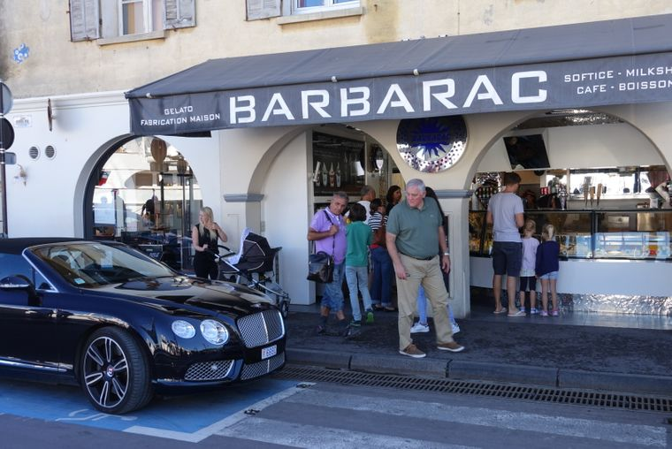 Dicke Autos in Saint-Tropez